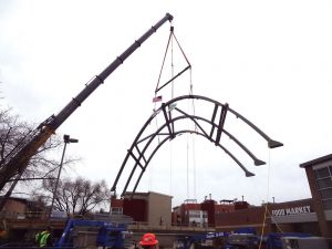 Figure 4. Lifting the arch assembly.